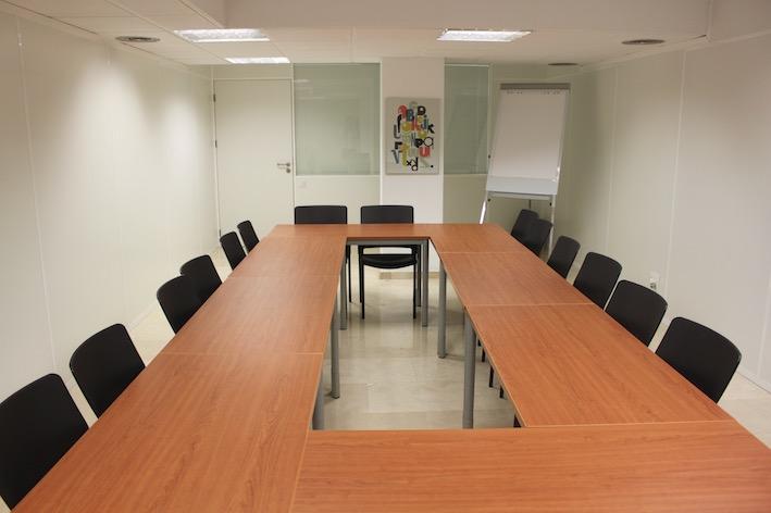 Valencia alquiler de despachos y oficinas en valencia for Oficinas de padron valencia