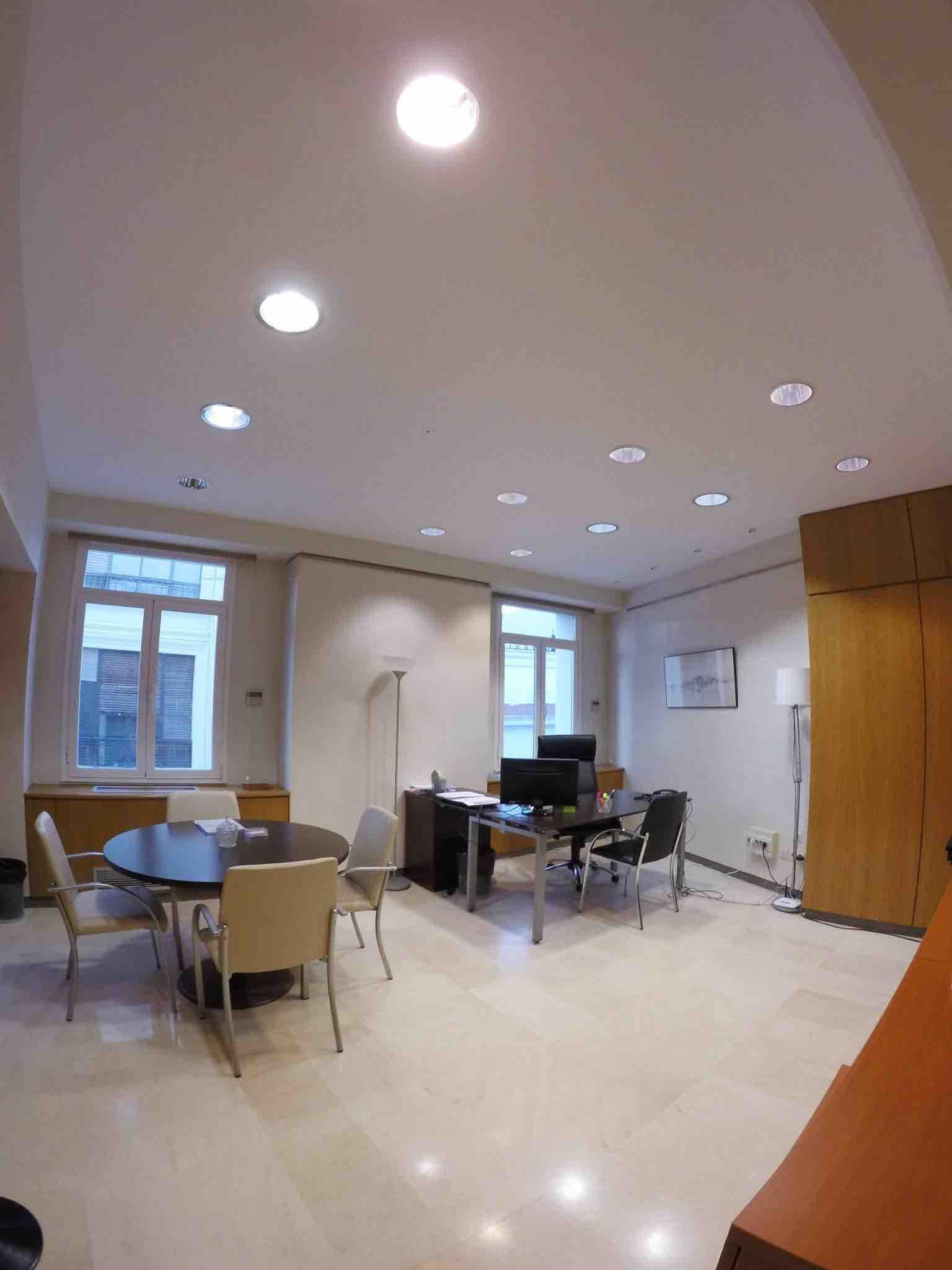 Sevilla alquiler de oficinas y despachos en sevilla for Oficina virtual sevilla